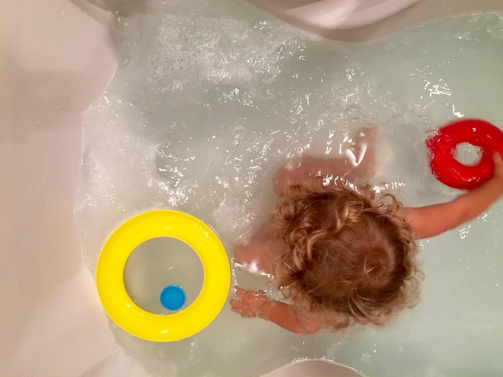 nello-bathtub.jpg