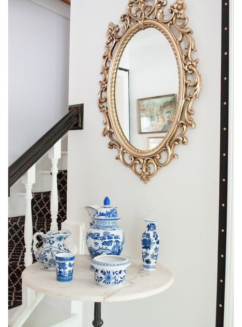 Entry table and mirror.jpg