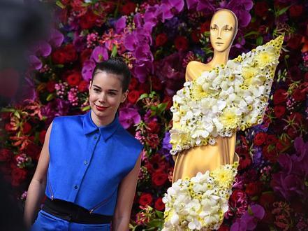 La primera española en ganar un Lola, los Oscar alemanes - Anoche se convirtió en la primera española en ganar un LOLA, los premios del cine alemán, que llegaban a su 65ª edición, y se llevó el galardón a la mejor actriz protagonista.Victoria, además, logró otros cinco galardones.