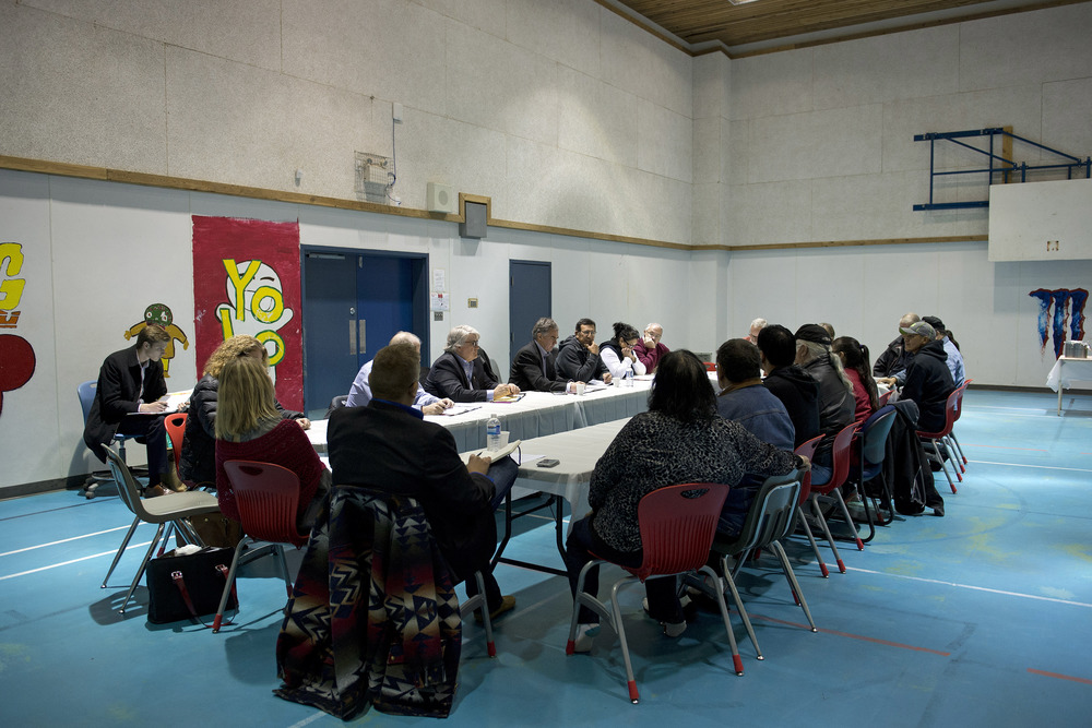 Premier meets with Lubicon Chief 45046a.jpg