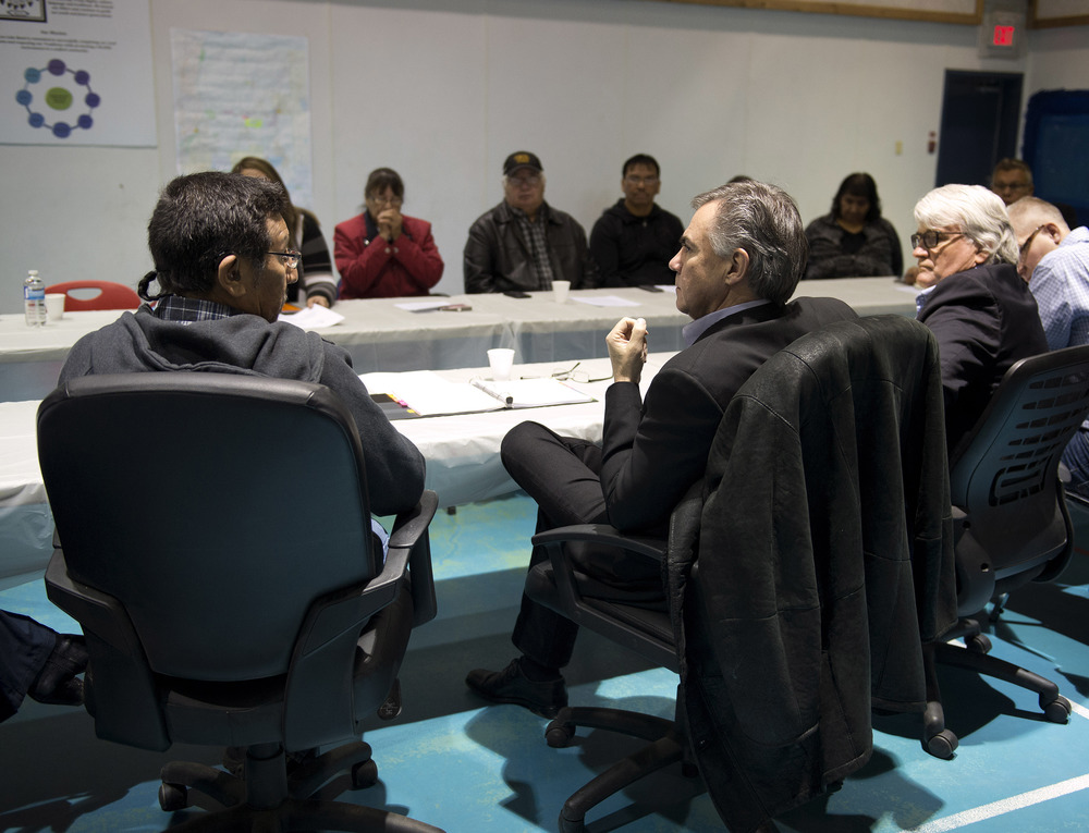 Premier meets with Lubicon Chief 45082a.jpg