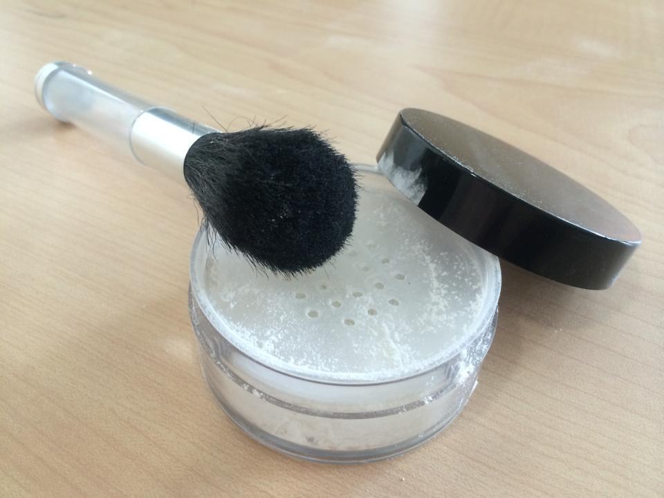 Oryza Pure Chemistry® dosifica la cantidad necesaria para usarlo como polvo translucido, sin desperdiciar ni contaminar el restante.