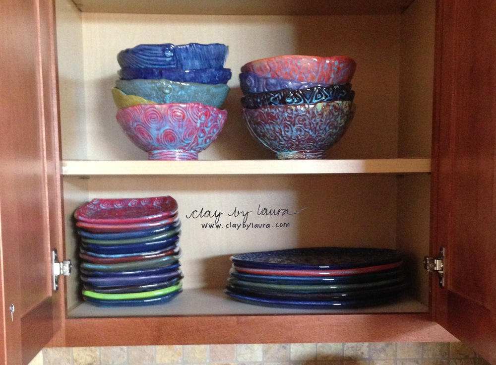 I made myself a set of dishes using hand-building methods. It's been on my 'to-do' list for quite some time!
