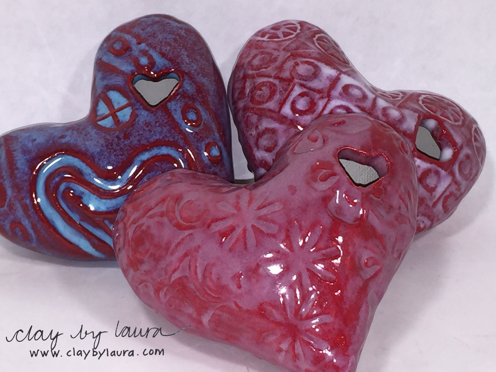 Here are some new color combinations and textures I've used on my 'Heartfelt' shapes.
