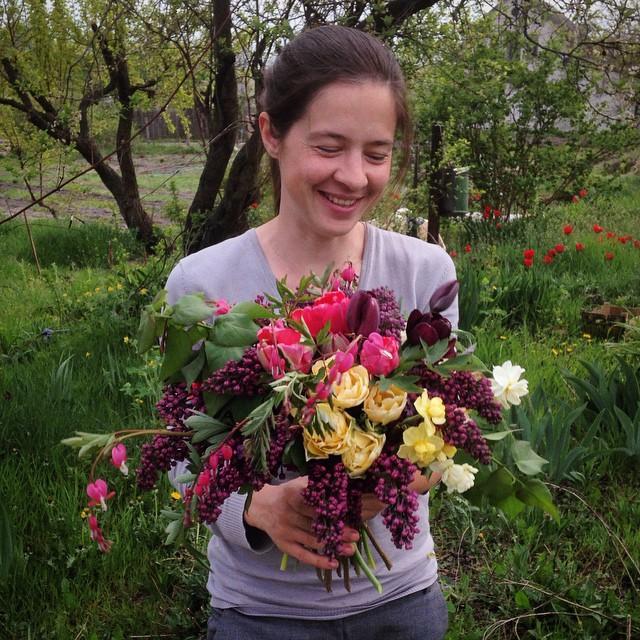 Когда в руках рождается волшебство #lovemyjob #rozmaiflowerfarm #seasonflowers #florist