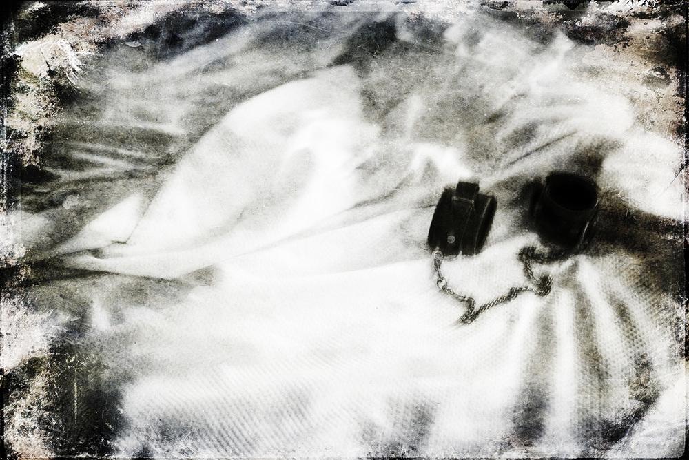 Provokantes Stillife trifft Bildbearbeitungsexperiment