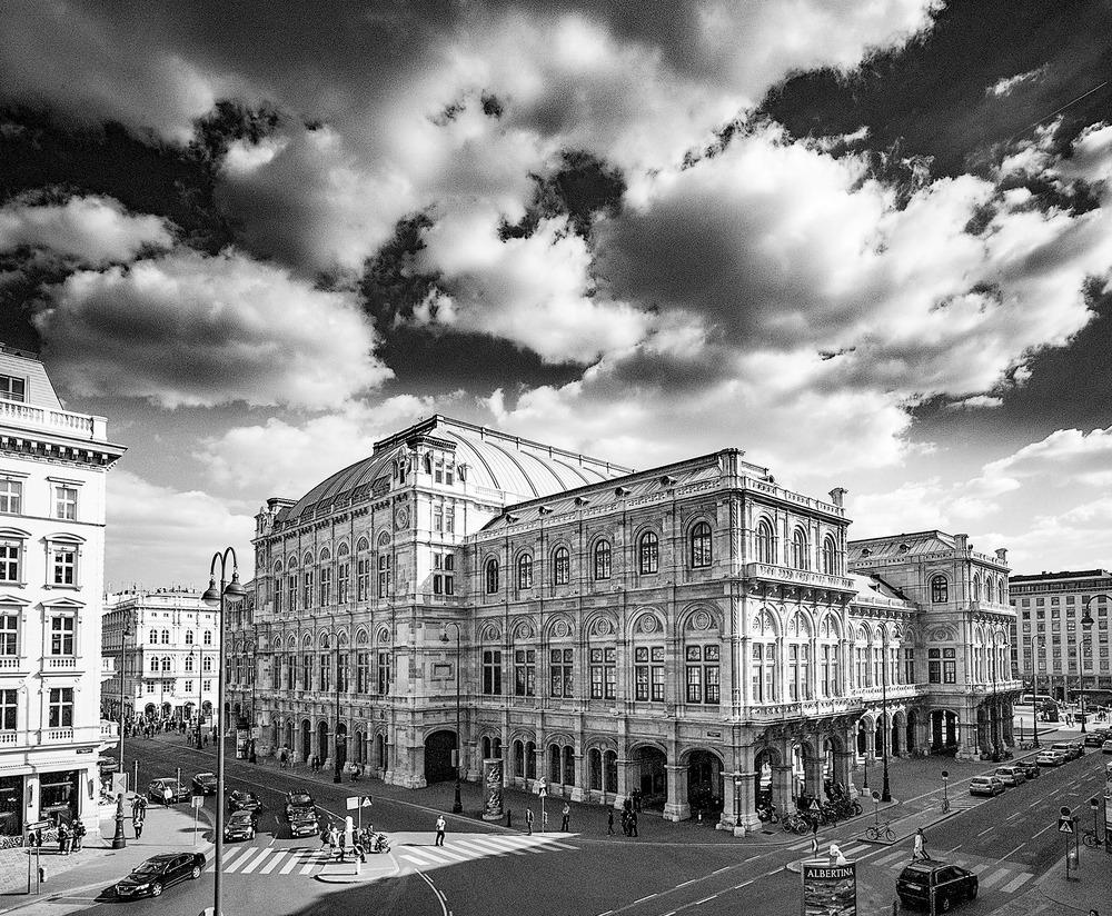 Wiener Staatsoper Leica Monochrom by Eric Berger