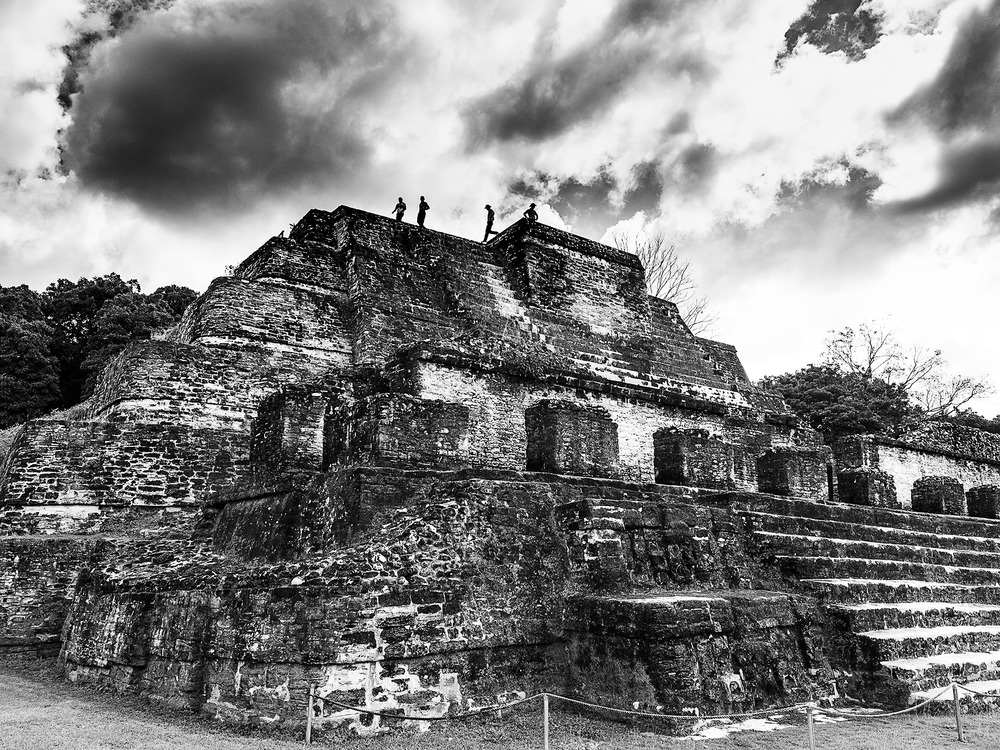 Die Erben von Indiana Jones - Der Tempel des Sonnengottes ALTHUN HA, Belize by Eric Berger