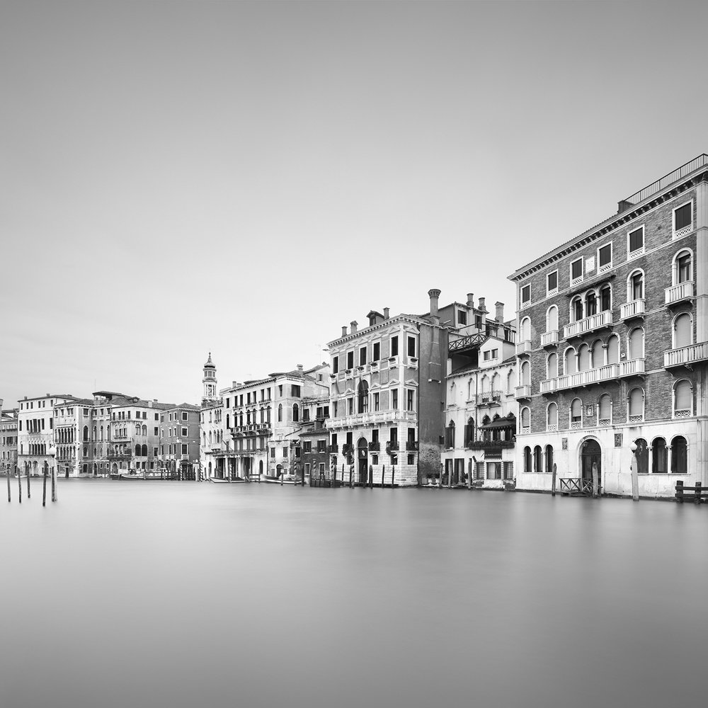 grandezza #1 - venice, italy, 2017   LIMITED EDITION OF: 50  IMAGE SIZEs and prices (print only / framed):  30x30 - £145 / £225 - £255  45x45 - £195 / £290 - £335  60X60 - £275 / £465 - £560