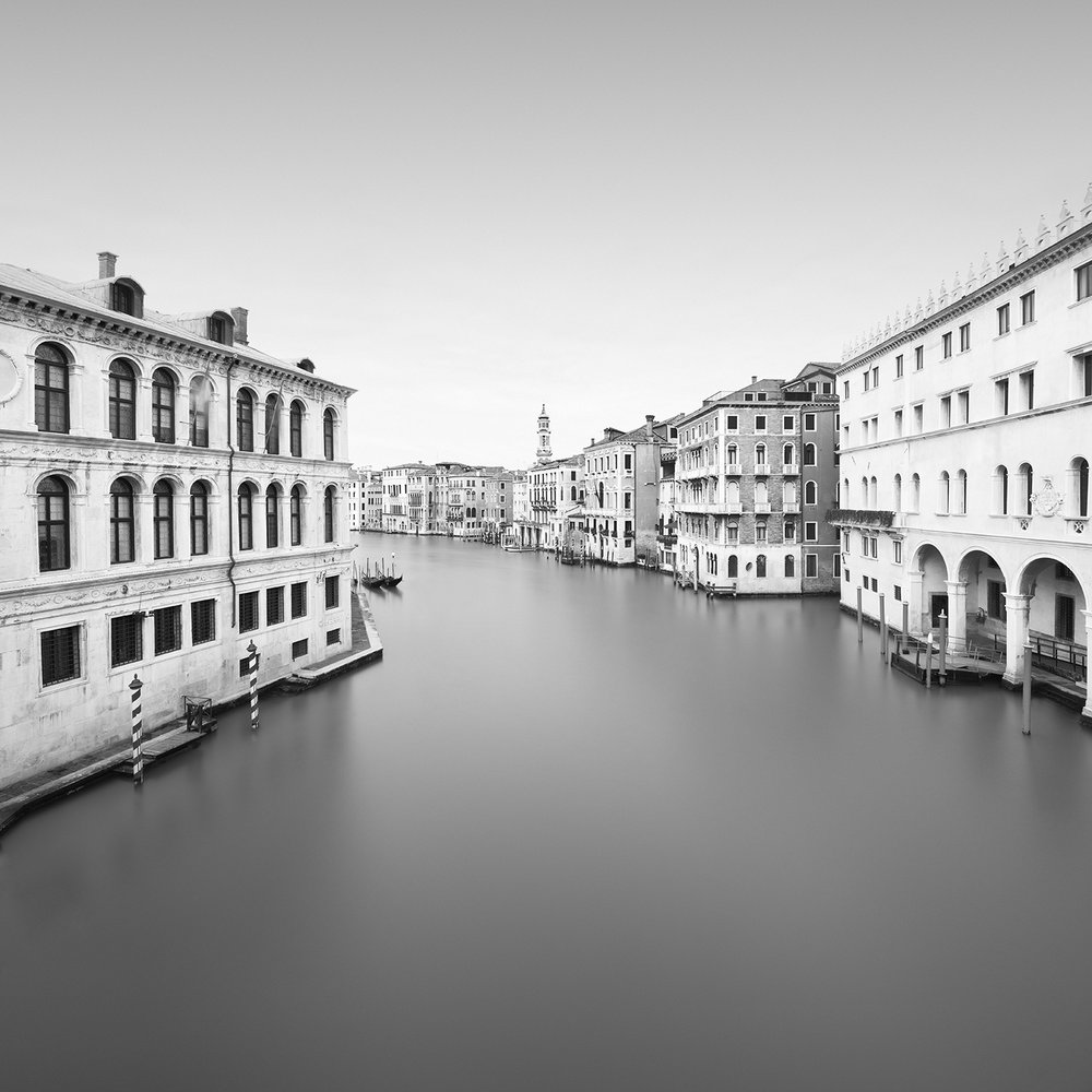 grandezza #4 - venice, italy, 2018   LIMITED EDITION OF: 50  IMAGE SIZEs and prices (print only / framed):  30x30 - £145 / £225 - £255  45x45 - £195 / £290 - £335  60X60 - £275 / £465 - £560
