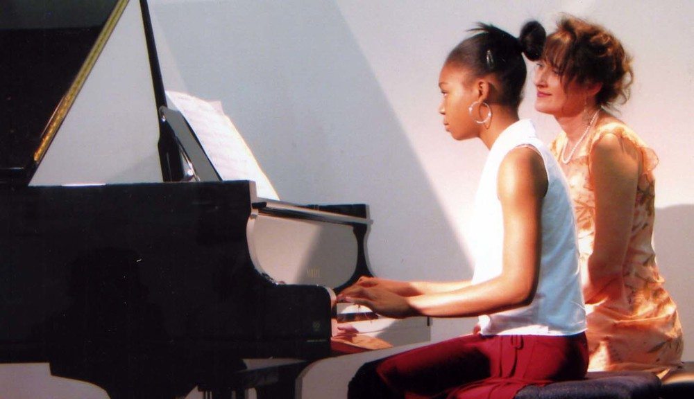 Ayo and Amy at the piano