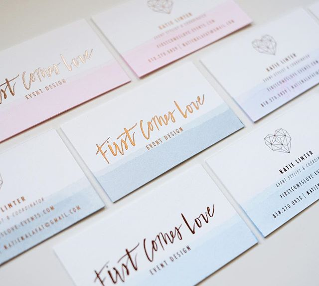 Another round of foiled + hand dipped business cards for my girl over at @firstcomesloveevents 😍