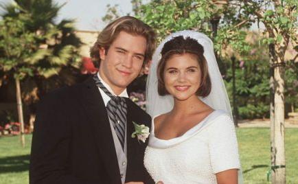 The Most Heartwarming Weddings Ever Seen on TV saved by bell wedding las vegas zack kelly jpeg