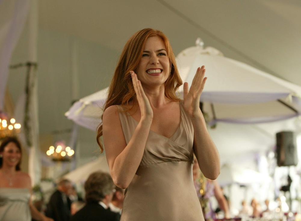 Isla-Fisher-as-Gloria-in-New-Line-Cinemas-upcoming-Wedding-Crashers-a-fast-paced-comedy-of-love-turned-upside-down.-2005-Richard-CartwrightNew-Line-Productions-4.jpg