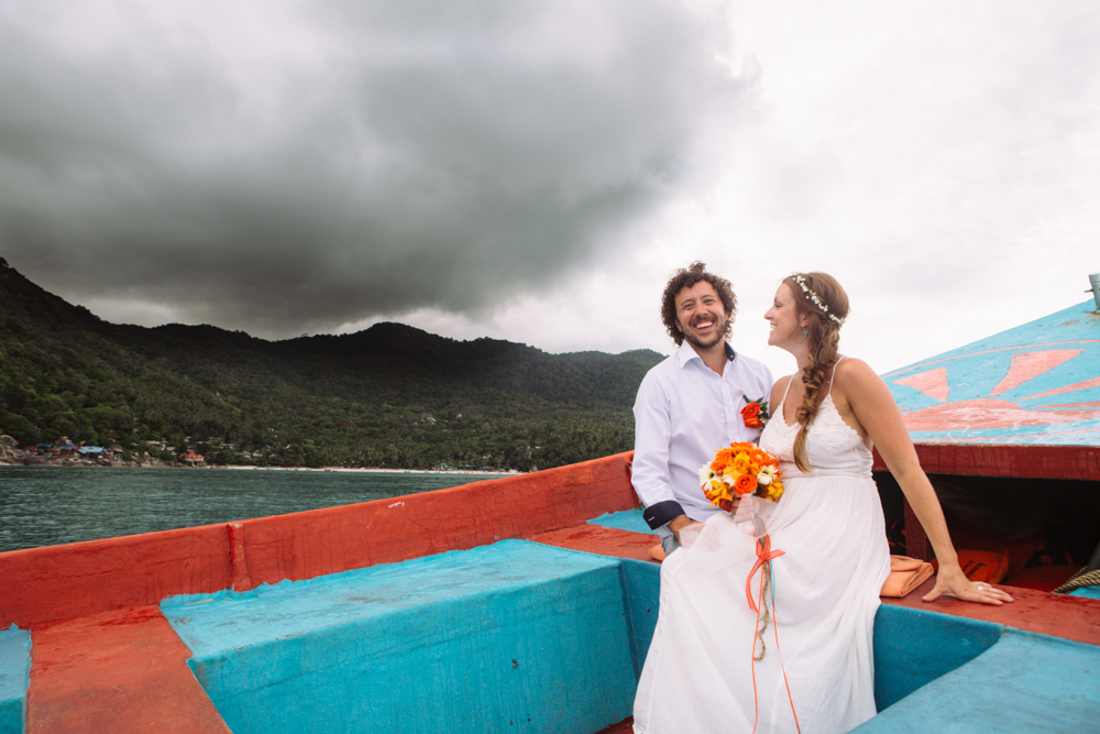 couple on long tail boat, haad yuan, thailand wedding
