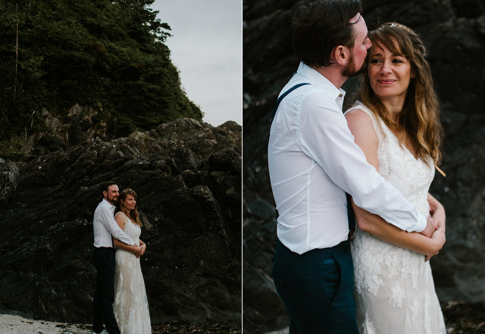 couple sunset tofino beach wedding wickaninnish inn