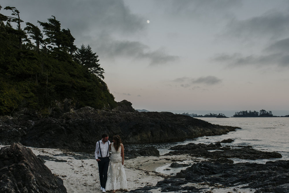wickaninnish inn beach wedding tofino sunset portraits of couple