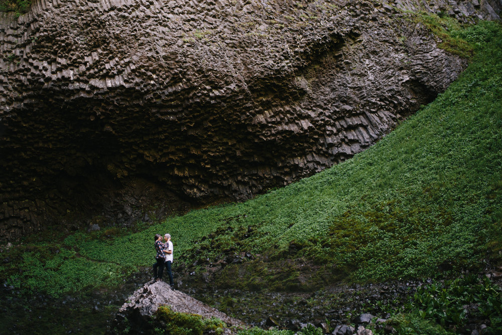 vancouver island engagement photographer - portland.jpg