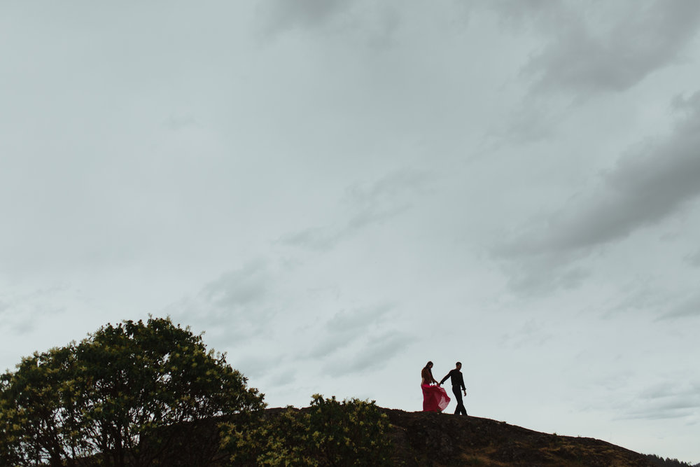 vancouver-island-engagement-a&j-lone-tree-hill -59.jpg