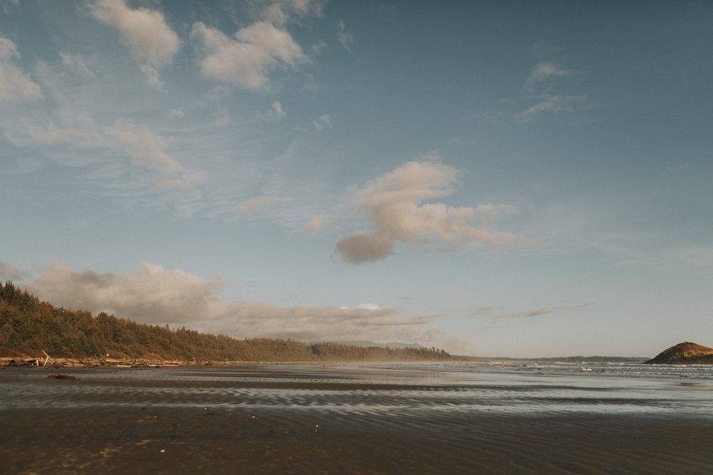 tofino engagement session - long beach-1.jpg