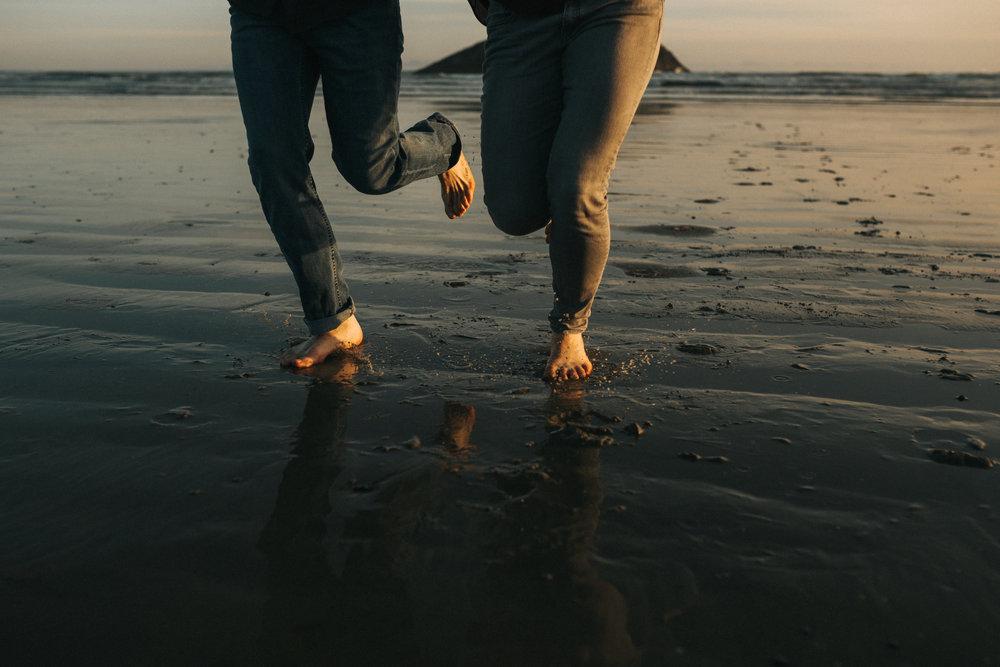 tofino engagement session - long beach-25.jpg