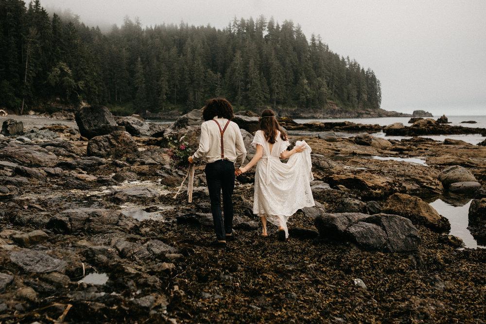 Sombrio camping elopement vancouver island -46.jpg
