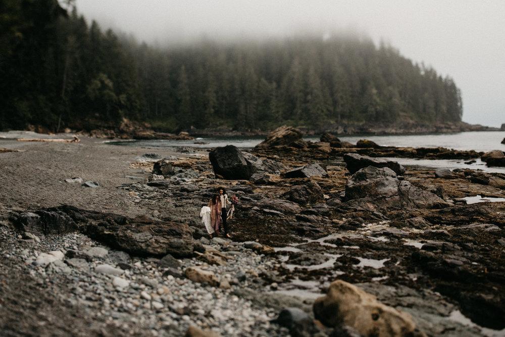 Sombrio camping elopement vancouver island -62.jpg