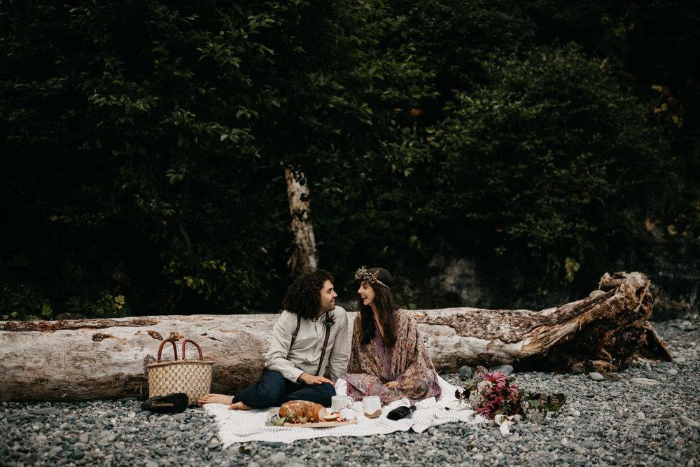 Sombrio camping elopement vancouver island -68.jpg