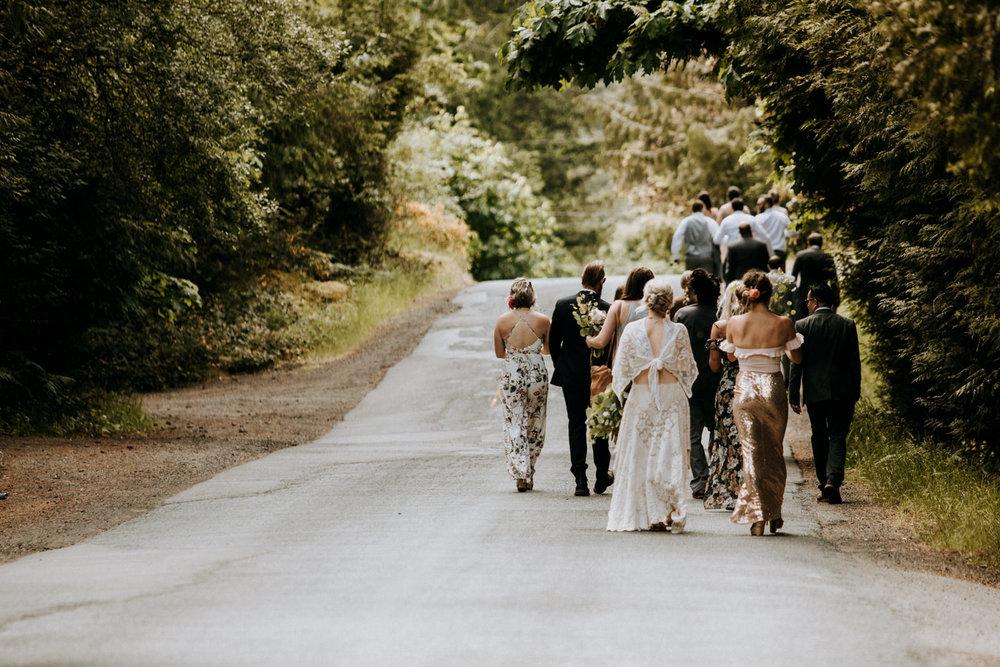 bridal party walks to venue victoria wedding photographer