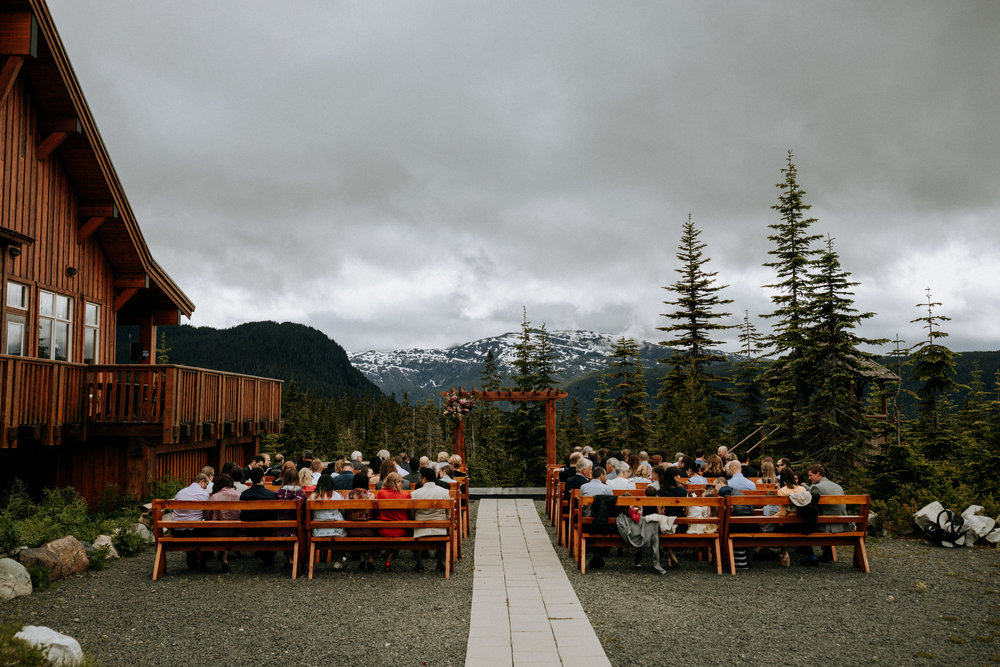 wedding ceremony at Ravens lodge Mount Washington wedding photographer