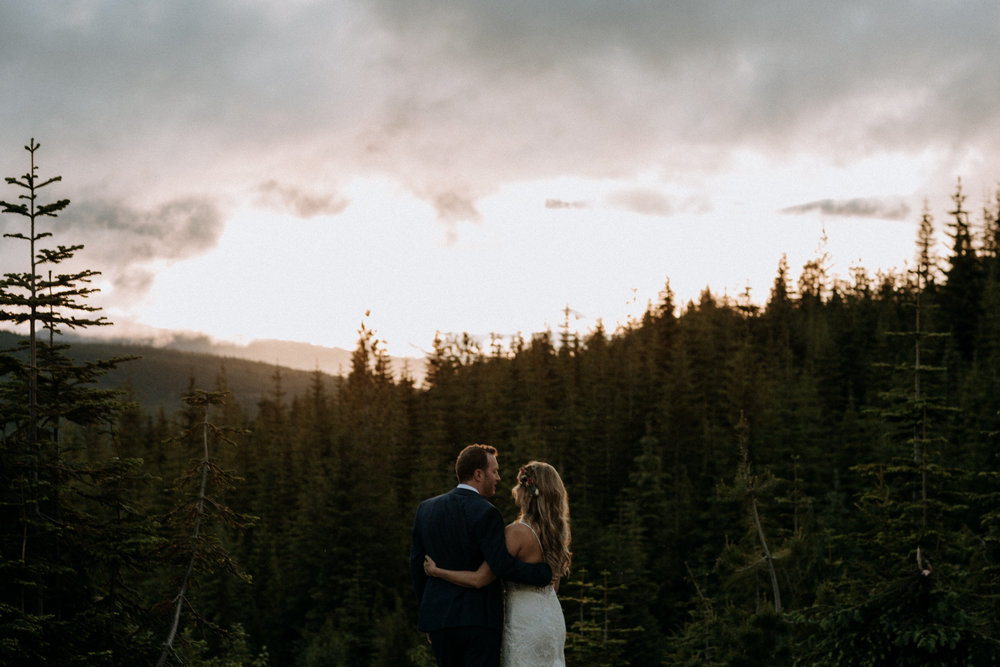 Sunset at Mount Washington Wedding photographer