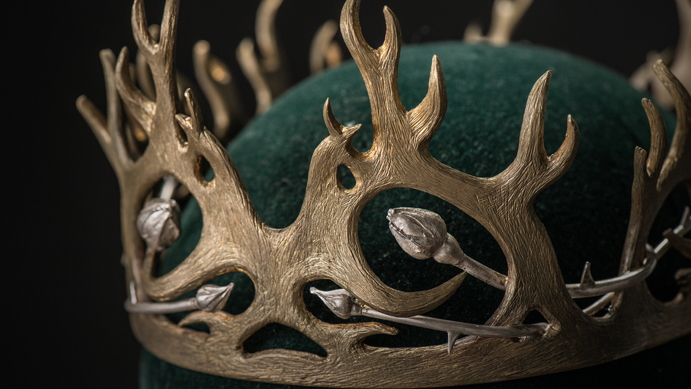 """Joffrey's crown has antlers, but roses are creeping within it. The idea is that slowly, they're beginning to wrap around and control him. We wanted to represent what the Tyrells were hoping would happen."""