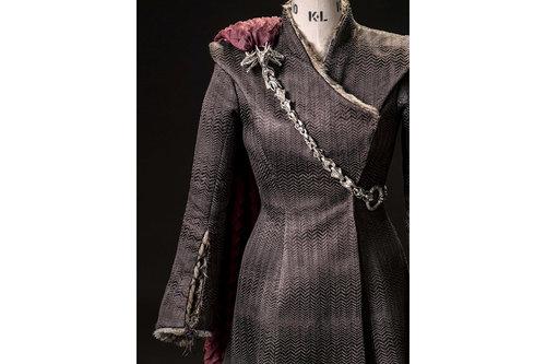 mgot_daenerys_costumes_slideshow_01_1200x800.jpg