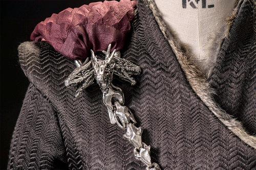 mgot_daenerys_costumes_slideshow_02_1200x800.jpg