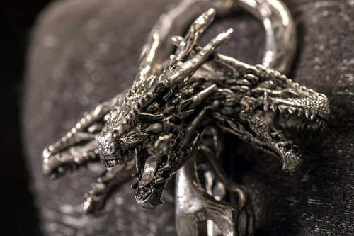 mgot_daenerys_costumes_slideshow_04_1200x800.jpg