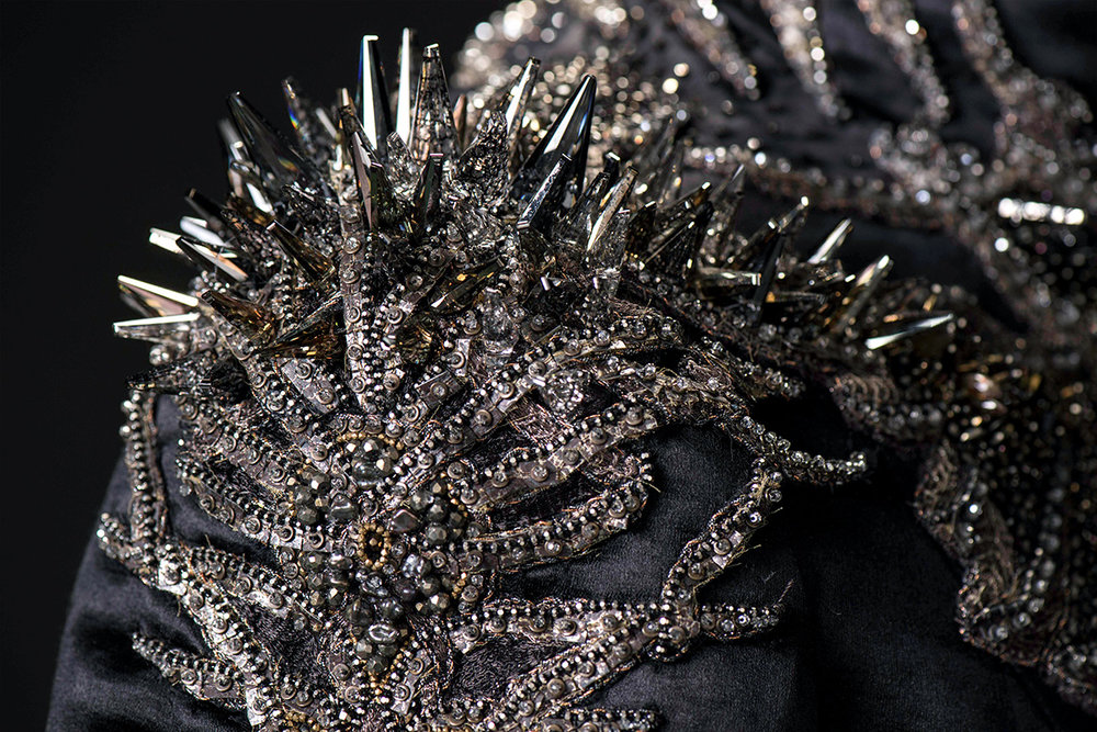 mgot_cersei_costumes_slideshow_10_1200x800.jpg