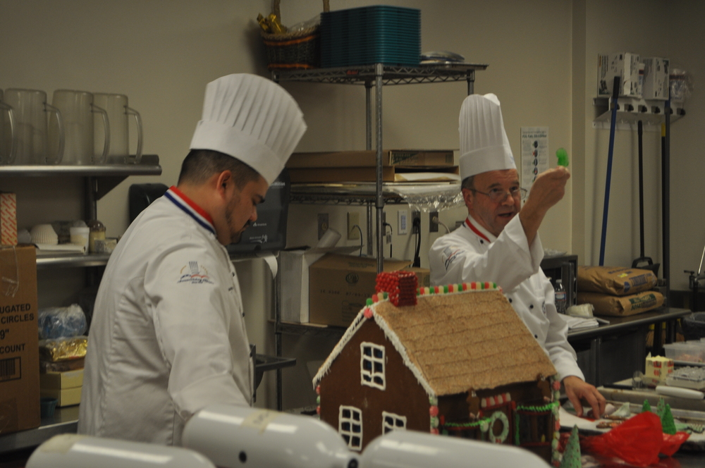 Gingerbread Demo - Jan Bandula, WGMC.CMPC.CCE.ACC - 12/13