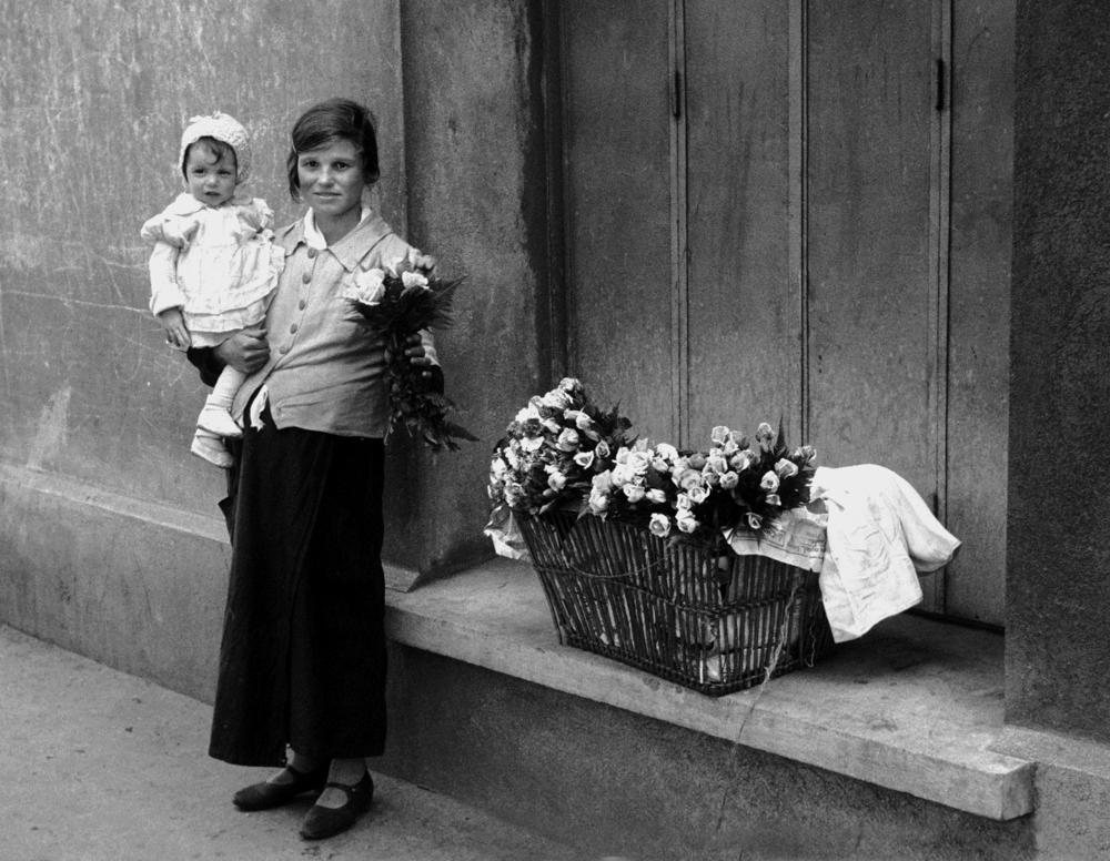 Selling Flowers, 1935