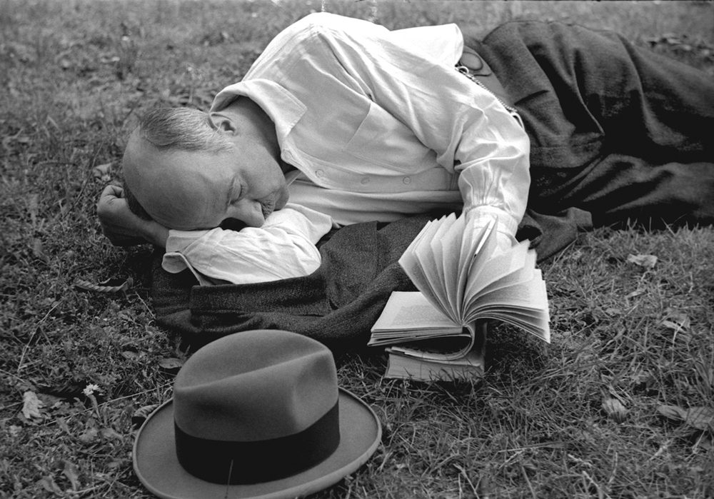 Reading in Grass, 1936
