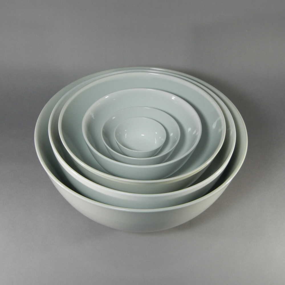Round Porcelain Bowls (4'' - 16'' in diameter.)