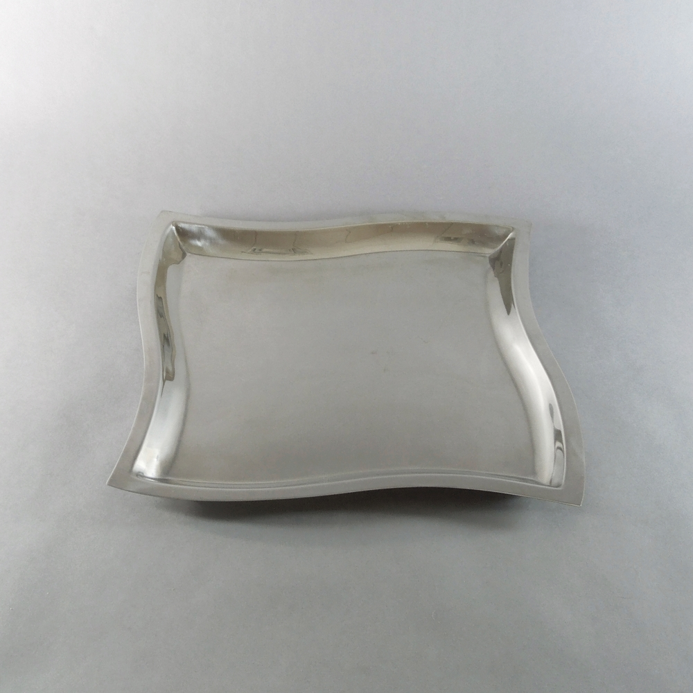 Wavy Rectangular Tray (13''x13'')