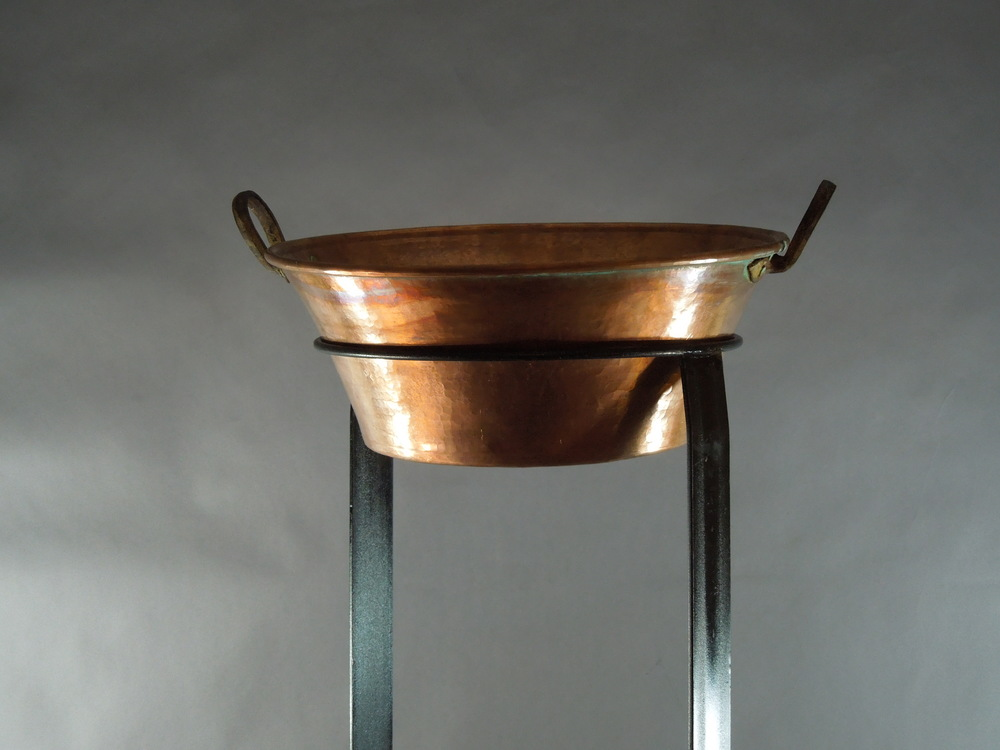 Copper with stand up close.JPG