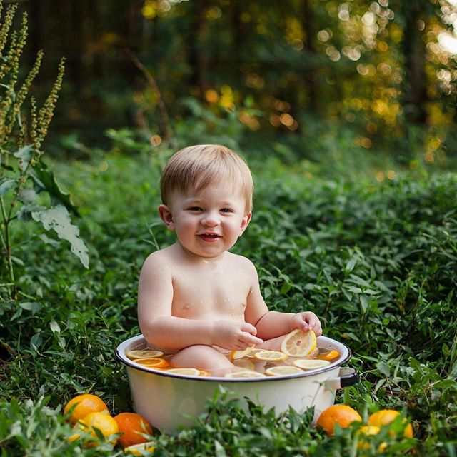 I have a last minute opening for this Sunday and would ❤️ to fit in another fruit bath or splash session! If you have a little who loves water let's chat! Discounts available!! #natashalynnphotography #splashsession #fruitbath #childphotography #ncphotographer #babyphotography