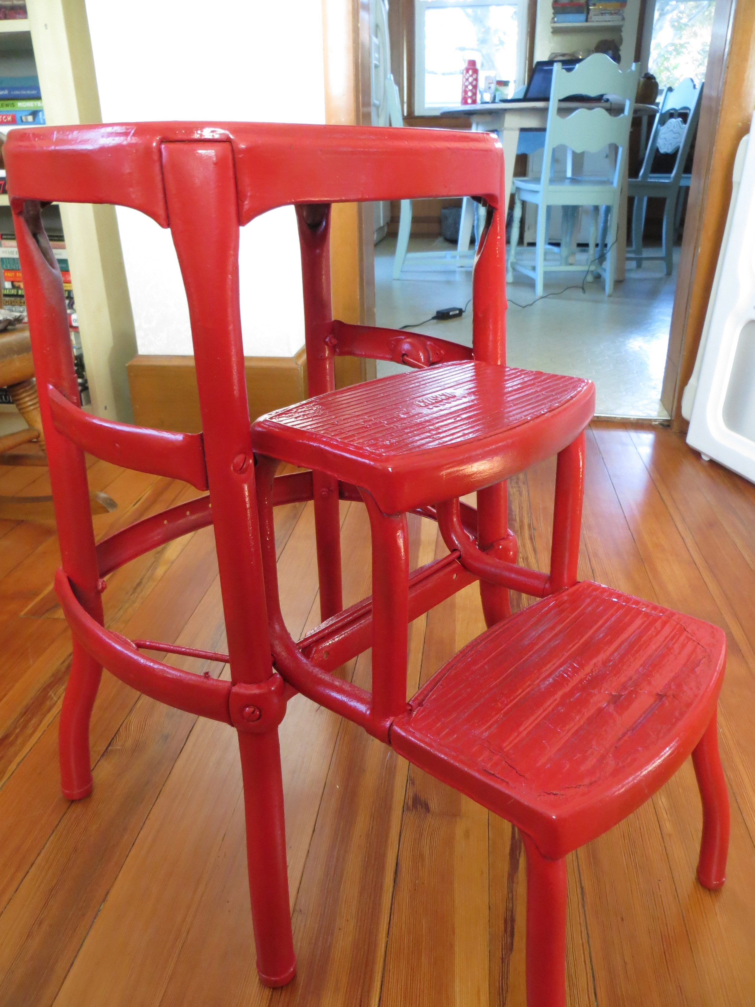 red_stool2