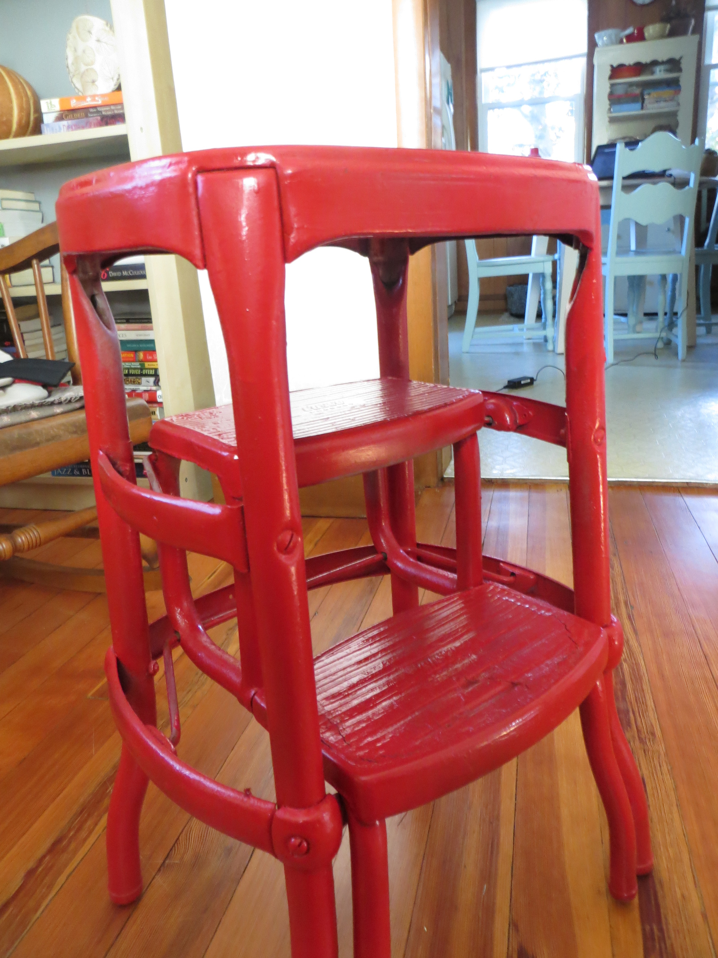 red_stool1