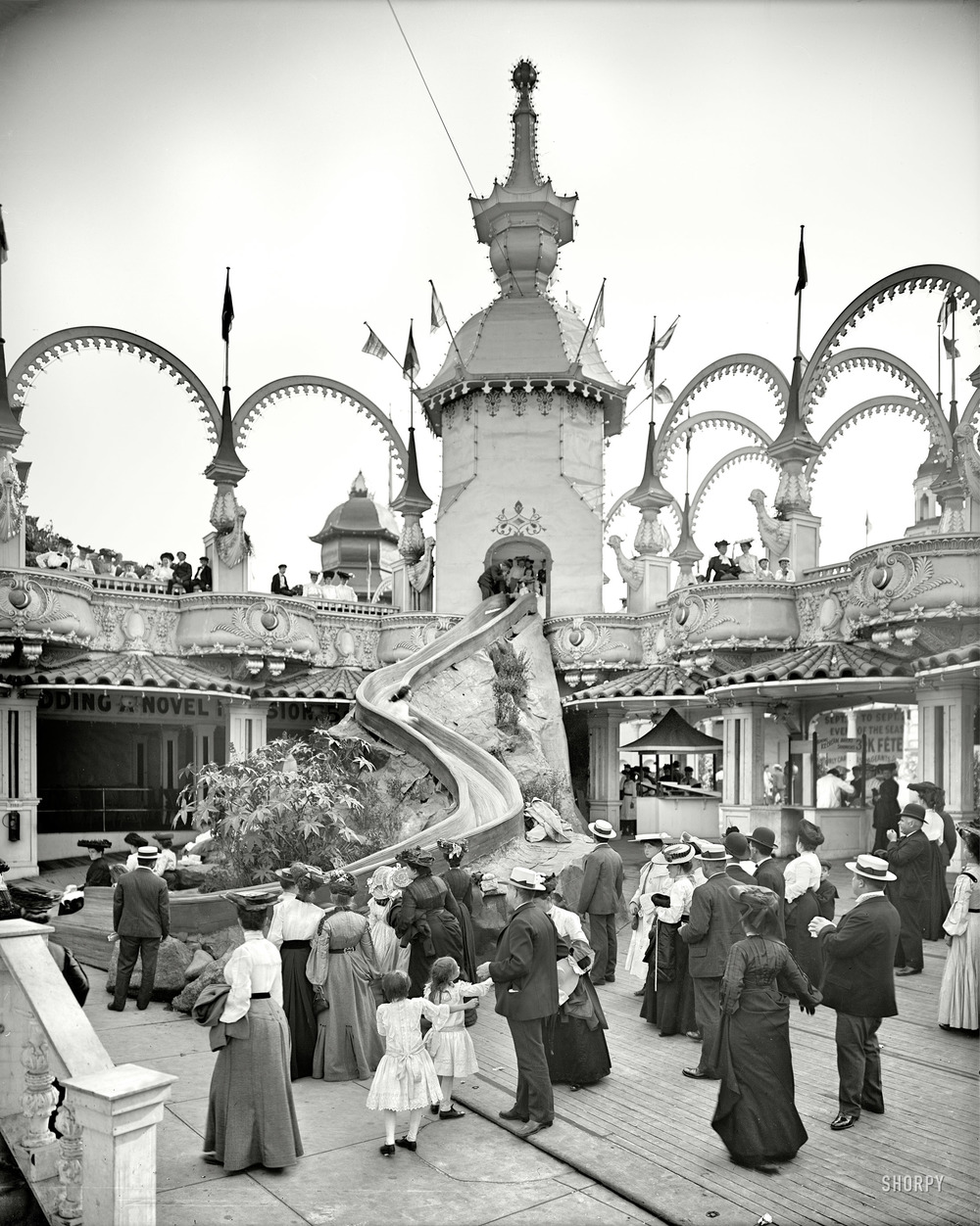 The Helter Skelter Ride, Luna Park, 1905. (h/t Shorpy)