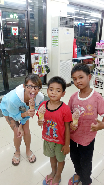 Sundaes with Red and Wang-wang, the future rippers!