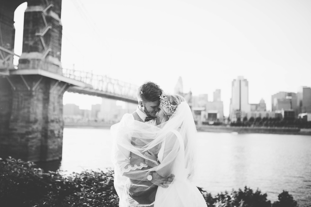 Eric & Charlie -- Cinicinnati Skyline Wedding -- Whitney Justesen Photography-574.jpg
