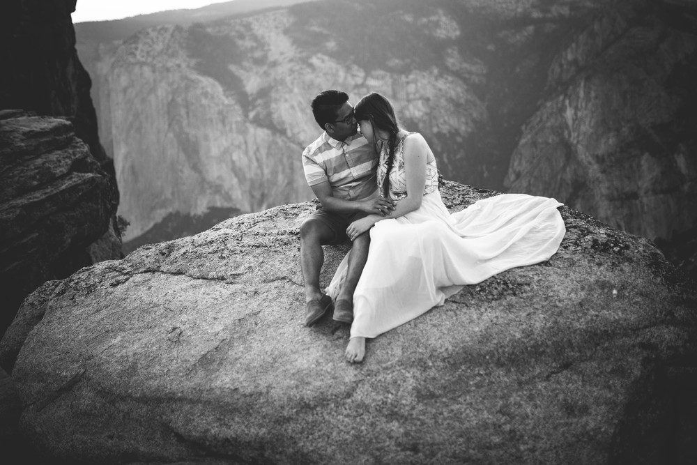 Anna & Vien -- Yosemite National Park Love Story -- Whitney Justesen Photography-82.jpg