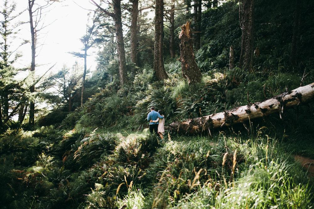 Matt & Beth -- Proposal on the Oregon Coast -- Whitney Justesen Photography-4.jpg